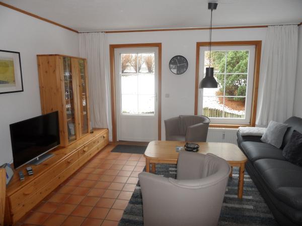Ferienhaus skandinavisch, mit 2 Schlafzimmer nur 700 m zum Strand ...